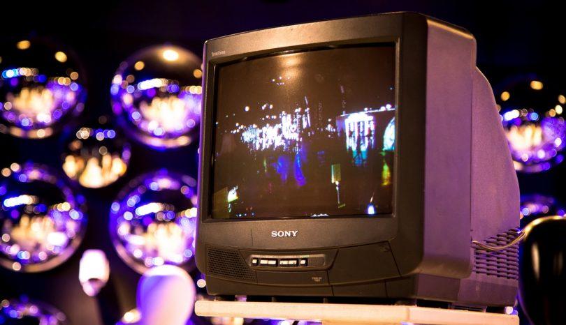 Prednosti uporabe IPTV – Zakaj je IPTV boljši kot klasična televizija